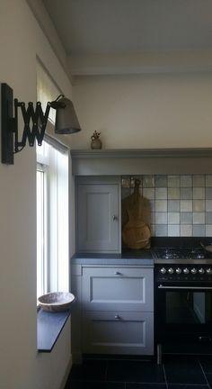 splash back tiles in square Rustic Kitchen, Country Kitchen, Kitchen Dining, Kitchen Cabinets, Dining Area Design, Cottage Kitchens, Beautiful Kitchens, Modern Rustic, Living Room Designs