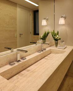 Luminária para banheiro: 50 modelos modernos e atemporais (Fotos) Art Decor, Home Decor, Sink, Bathtub, Shower, Bathroom, Bathroom Sinks, Toilet Decoration, Small Bathroom