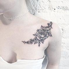 #Tattoo by @anna_bravo_  #⃣#Equilattera #tattoos #tat #tatuaje #tattooart #life #miamitattoo #miami #mia #florida #miamibeach #bride #wynwood #love #beautiful #cute #rose #wedding #flowers #drawing #mandala #dotwork #linework #flower #ink #art #design #illustration