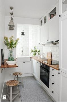 If you are looking for Apartment Kitchen Design Ideas, You come to the right place. Below are the Apartment Kitchen Design Ideas. This post about Apartment Kitchen Design Ideas was posted under the Ki. Galley Kitchen Design, Small Space Kitchen, Interior Design Kitchen, New Kitchen, Kitchen Decor, Kitchen White, Kitchen Wood, Kitchen Colors, Minimal Kitchen