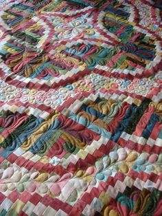 Snake River Log Cabin pattern by Judy Martin -- beautifully quilted!!