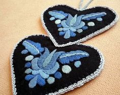Double-heart-shaped blue hand-embroidered ornament, tree hanger (Hungarian, Matyo motifs) (MKORN-NEEDLEHEART-PAIR-304)