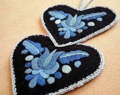 Double-heart-shaped blue hand-embroidered ornament, tree hanger (Hungarian, Matyo motifs) (MKORN-NEEDLEHEART-PAIR-304)