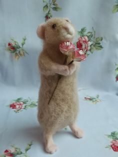 Items similar to Mouse With Flower Posy Needle Felting Kit DIY Craft Kit Make Your Own Needle Felted Mouse 'Maisie' Mouse Suitable for Beginners on Etsy Needle Felting Kits, Needle Felting Tutorials, Needle Felted Animals, Wet Felting, Felt Animals, Cute Crafts, Diy Crafts, Felt Mouse, Crafts Beautiful