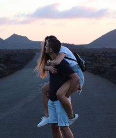 Life goals, cute relationship goals, relationships love, message for boyfri Cute Couples Photos, Cute Couple Pictures, Cute Couples Goals, Romantic Couples, Couple Pics, Couple Tumblr, Tumblr Couples, Couple Goals Relationships, Relationship Goals Pictures