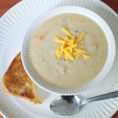 Skinny Beer Cheese Soup (2 cups is only 393 calories...that's a lot of soup!)