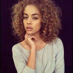 6.Short-Curly-Brown-Hairstyle.jpg 500×500 pixels