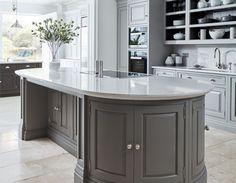 Modern Luxury Kitchens For A Grand Kitchen Grand Kitchen, Open Plan Kitchen Living Room, Home Decor Kitchen, Family Kitchen, Kitchen Ideas, Kitchen Planning, Buy Kitchen, Kitchen Tile, Grey Kitchens