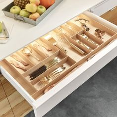 This ''Fineline'' Multipurpose Cutlery Tray Insert by Hafele is great for storage of larger utensils, foils, kitchen tools, etc. The wooden insert increases storage and functionality, allowing you to organize all the top drawers in your kitchen easily. Utensil Drawer Organization, Kitchen Organization Pantry, Diy Kitchen Storage, Home Organization, Wooden Cutlery Tray, Kitchen Cutlery, Cool Kitchen Appliances, Kitchen Tools, Kitchen Cabinets