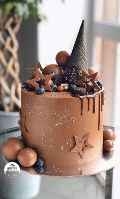 Chocolate Birthday Cake Decoration, Candy Birthday Cakes, Beautiful Birthday Cakes, Chocolate Birthday Cakes, Best Birthday Cake, Birthday Cake Designs, Nutella Birthday Cake, 3rd Birthday, Chocolate Cake Designs