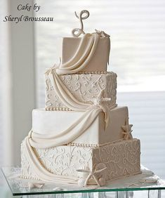 Gorgeous beach-theme wedding cake. :)