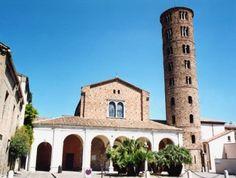 SZTUKA WCZESNOCHRZEŚCIJAŃSKA I BIZANCJUM: bazylika San Apollinare Nuovo w Rawennie