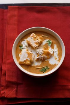 paneer makhanwala recipe - paneer cubes in a rich buttery creamy makhani gravy. a restaurant style dish. step by step recipe.