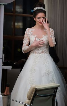 http://www.babyonlinedress.com/product-105019-Long Sleeve Elegant Attractive 2015 Bridal Gowns Applique Graceful Tulle Wedding Dresses.html