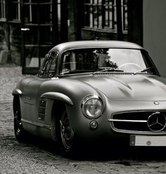 What a iconic classic. Mercedes Benz #300SL