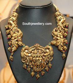 Antique Necklace latest jewelry designs - Page 73 of 328 - Indian Jewellery Designs Indian Wedding Jewelry, Indian Jewelry, Bridal Jewelry, Indian Bridal, Indian Jewellery Design, Jewelry Design, Bali, Gold Temple Jewellery, Diamond Jewellery