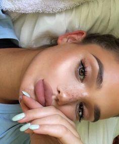 Gorgeous Makeup: Tips and Tricks With Eye Makeup and Eyeshadow – Makeup Design Ideas Eye Makeup Tips, Makeup Goals, Skin Makeup, Makeup Inspo, Makeup Inspiration, Bronzer Makeup, Glowy Skin, Concealer, Makeup Ideas