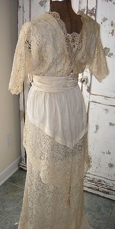 edwardian lace wedding gown. i just love alternative wedding gown ideas. i don't ever wanna be that girl who buys a ridiculously expensive wedding dress and never wears it again.