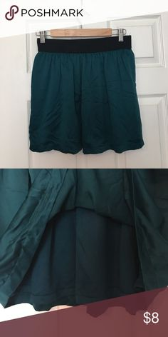 XXI Size M Emerald Short Chiffon Skirt Never Worn! XXI Brand Size M Color Emerald Short Skirt Skirts Mini