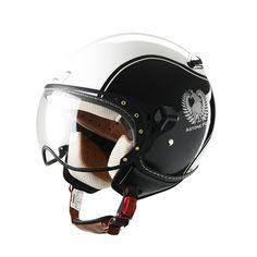 Casco Astone KSR, ideal para uso en moto en ciudad. Oferta hasta agotar stock. Interior completamente desmontable y lavable. Ventilación posterior. Sistema de cierre multiposición. Pantalla transparente de fácil desmontaje.