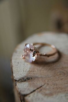 unique rose gold vintage stone wedding engagement rings, maybe not in gold for me...