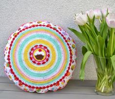 Cupcake pillow by Elealinda-Design www.elealinda-design.de