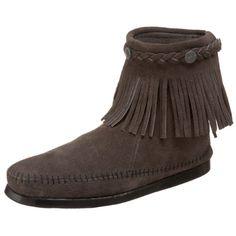 #Minnetonka #Women's Tramper Ankle Hi #Boot   the hippie in me is happy.   http://amzn.to/HlualG