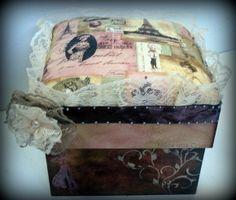 Caixa Vintage com decoupagem italiana R$ 35,00