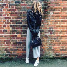 Kat (@doesmybumlook40) • Instagram photos and videos