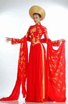 Ao Dai - A traditional Vietnamese Wedding dress. Its a long ...