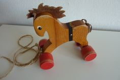 Vintage Nachziehpferd von HelloPolly auf DaWanda.com