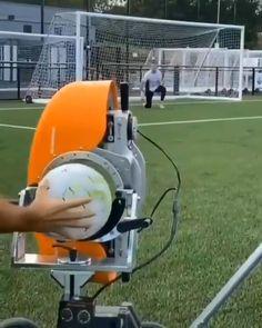 Soccer Training Drills, Goalkeeper Training, Soccer Drills, Sports Basketball, Football Soccer, Messi Videos, Football Tricks, Soccer Hair, Adventure Time Wallpaper