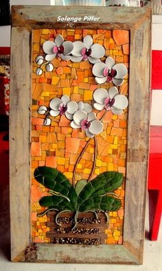 Solange piffer Mosaicos - SP-Brasil bright colors in glass Mosaic Tile Art, Mosaic Pots, Mosaic Artwork, Mosaic Crafts, Mosaic Projects, Mosaic Glass, Mosaics, Mosaic Mirrors, Fused Glass
