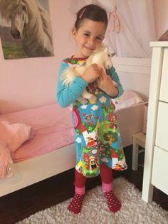 Lillesol und Pelle Basics Nummer 35 Kleid mit amerikanischem Ausschnitt ♥ Luusmeitlifashion ♥http://muggelchens-kuschelwear.blogspot.ch/2014/08/lillesol-basic-35-yara-leggings.html Schnittmuster Mädchenkleid