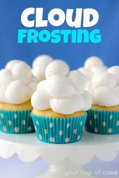 cloud frosting: cream cheese powdered sugar vanilla extract heavy whipping cream the cutest cupcakes ever! Frost Cupcakes, Fluffy Cupcakes, Cookies Cupcake, Cupcake Cakes, Poke Cakes, Pumpkin Cupcakes, Layer Cakes, Cloud Frosting, Vanilla Cupcake Frosting