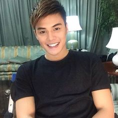 Ronnie Alonte Ronnie Alonte, Pinoy, Dancer, Actors, T Shirts For Women, Hot, Model, Mens Tops, Recipes