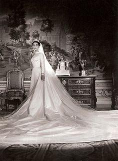 Royal Brides, Royal Weddings, Chic Vintage Brides, Vintage Weddings, Wedding Styles, Wedding Photos, Wedding Veils, Wedding Dresses, Headpiece Jewelry