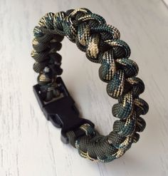 Men's Paracord Bracelet: Shark Tooth Weave by 4TheLoveOfCord on Etsy https://www.etsy.com/listing/182071116/mens-paracord-bracelet-shark-tooth-weave
