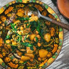 Chickpea, Spinach and Potato Bhajee Indian Food Recipes, Ethnic Recipes, Tyga, Paella, Food Inspiration, Spinach, Curry, Potatoes, Vegetarian