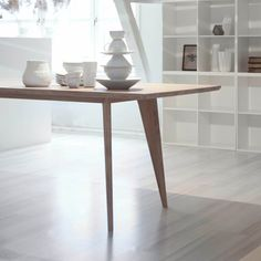 Viken dining table in solid oak by Elin Louise Sveen Dinning Table, Wood Table, Kitchen Dining, Dining Room, Nordic Furniture, Furniture Design, Hanging Canvas, Cafe Tables, House Made