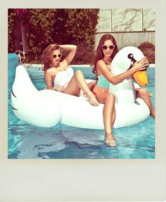Summer is Coming!? www.ifuorifase.com ‪#‎TBT‬ ‪#‎Moment‬ ‪#‎Polaroid‬ ‪#Happy #Fun #Love #‎ifuorifase‬ ‪#‎Inflatable‬ ‪#forniture #design #white #swan #ride #girls #rideaswan‬ + + + Workshop Events​