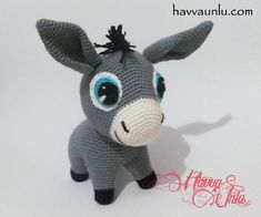 Ravelry: Donkey Pattern pattern by Havva ÜnlüThe world of Amigurumi is colorful and quite extensive. You can make toys by knitting almost anything you can.So cute donkey. Free English pattern at the link for this little horse Cute Crochet, Crochet Crafts, Crochet Dolls, Crochet Yarn, Crochet Projects, Crochet Toys Patterns, Amigurumi Patterns, Stuffed Toys Patterns, Crochet Horse