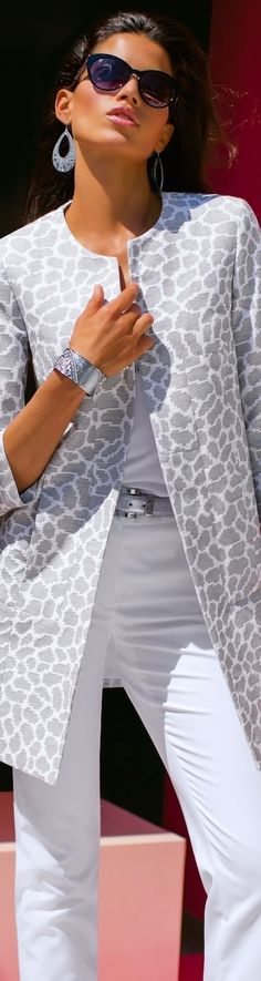 MADELEINE Gray Coat and White Trousers • Street CHIC