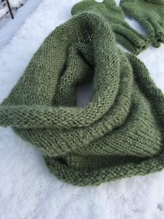 A Collar for Sandra – gbcreates Easy Scarf Knitting Patterns, Infinity Scarf Knitting Pattern, Shawl Patterns, Knit Cowl, Finger Knitting, Hand Knitting, Start Knitting, Crochet Neck Warmer, Crochet Top Outfit