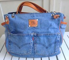 Newest Absolutely Free Jeans Bags . Strategies I enjoy Jeans ! And even more I like to sew my own Jeans. Next Jeans Sew Along I'm going to reve Sacs Tote Bags, Jean Purses, Diy Sac, Denim Purse, Denim Crafts, Diy Handbag, Recycled Denim, Patchwork Bags, Fabric Bags