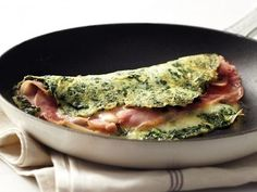 Omelet con Espinacas y Jamón. Receta – Düşük karbonhidrat yemekleri – Las recetas más prácticas y fáciles Deli Food, Weight Loss Meals, Cooking Recipes, Healthy Recipes, Mexican Food Recipes, Love Food, Breakfast Recipes, Food Porn, Food And Drink