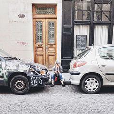 A little urban pause near Montmartre.  #urban #urbanexplorer #urbanexploration #explore #look #paris #montmartre #photographer #photography #neverstopexploring #livefolk #lifestyle #lifecurated #vscomoment #vscocam #vscoauthentic #urbanvagabond #slowlife #slowliving