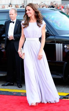 Pin for Later: Les Robes les Plus Glamour Portées Par Kate Middleton Portant une tenue signée Alexander McQueen à la soirée BAFTA Brits to Watch en Juillet 2011.