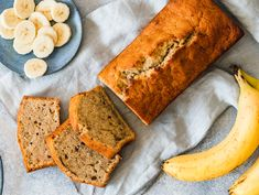 Fine banana bread is simply homemade. Simply mix all the ingredients and a few ripe bananas and the sweet bread is ready. Fine banana bread is simply homemade. Simply mix all the ingredients and a few ripe bananas and the sweet bread is ready. Banana Bread Recipes, Cake Recipes, Dessert Recipes, Desserts, Recipes Dinner, Banana Madura, Easy Banana Bread, Sweet Bread, Chocolate Recipes