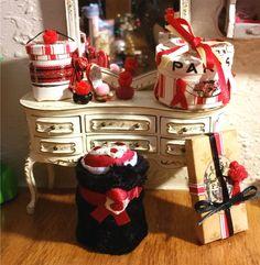 Miniature Dollhouse Vanity Perfume Bottles & Paris Hat Box Lingerie 9pc Set 1:12 | Dolls & Bears, Dollhouse Miniatures, Artist Offerings | eBay!